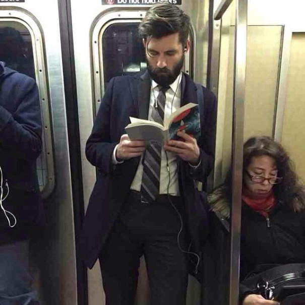 hot-dudes-reading-books-instagram